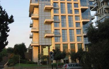 מגדלי אקירוב פנקס 62 תל אביב, עבודות ליטוש שיש