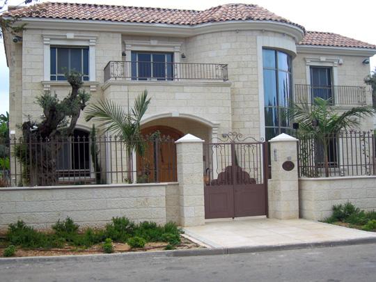פנקס 62 תל אביב, ליטוש אבן - לובי